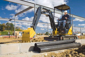 Where to find EXCAVATOR, MINI 7  DEPTH JD 17D in Huntsville